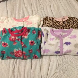 Lot of 4 cosy and soft onesies💕